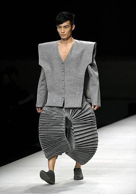 Why Are Runway Clothes So Weird: Crazy Fashion Fails You Just Cannot Believe