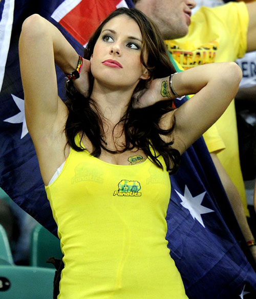 A very pretty football supporter from Australia