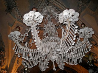 From chandeliers made out of human bones to a chapel containing 70 000 skeletons, join us as we take a look at some of the most eerie places made of bone.