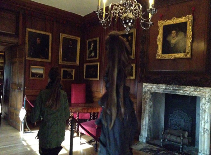 Grey Lady Of Hampton Court - 10 Ghostly Photos You Have Never Seen