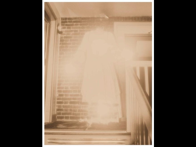 Ghost photos that can't be explained