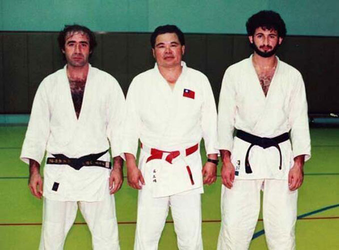 A photo of Osama bin Laden in Judo class - 10 Rare Photos From History