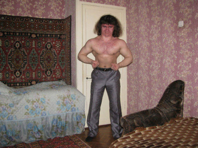 A funny Russian dating profile photo of a man - 20 WTF Photos You Just Have To See