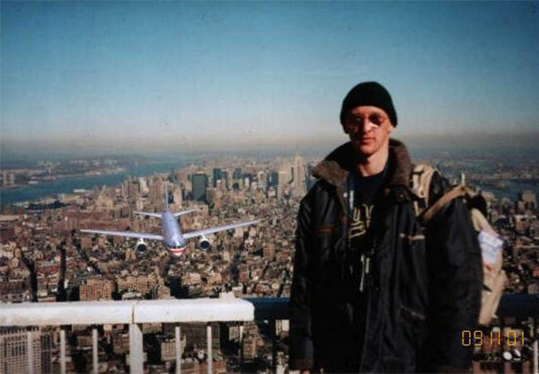 This Tourist Guy photos turned out to be a hoax