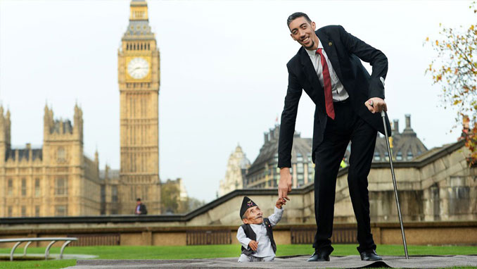 Sultan Kösen, the world's tallest living man and Chandra Bahadur Dangi, the world's shortest man ever recorded.