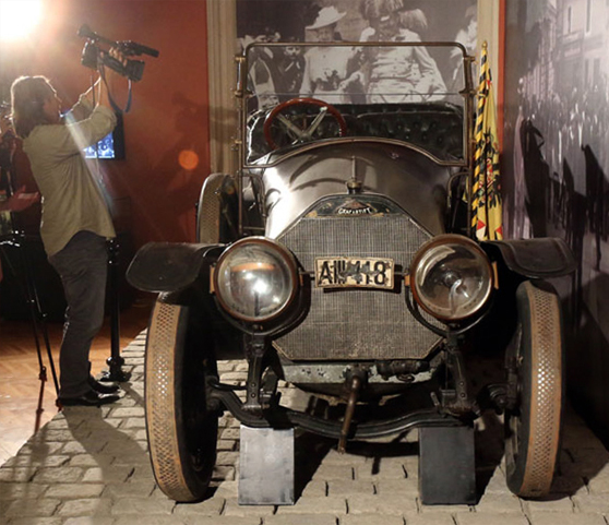 The car Franz Ferdinand was assassinated in has the number plate AIII 118.