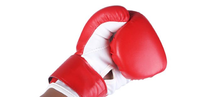 One boxing glove - 10 Dumbest Criminals Of All Time