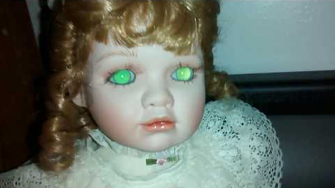 Amelia the doll - 10 Cursed Dolls With Very Creepy Backstories